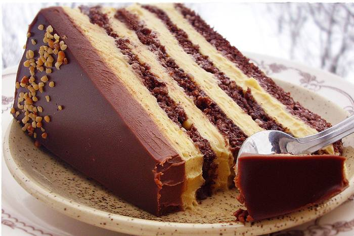 torta-s-ljesnjacima-i-karamelom