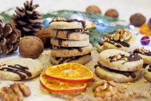 PRHKI I MIRISNI: Keksići s orasima, cimetom i narančom