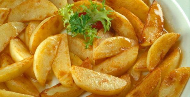 KRUMPIR IZ PEĆNICE: Jednostavno i ukusno, najbolji recept za pečeni krumpir